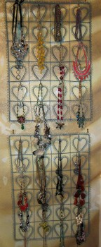 Gallery Necklace Display