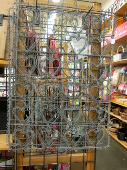 Wire Heart Rack
